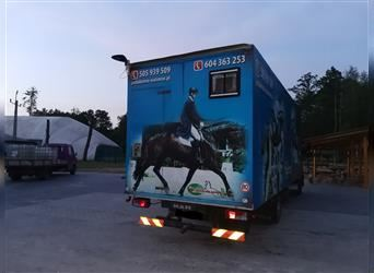 Horsetruck for 6 horses and social for 4 person