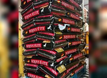 HIGH QUALITY HORSE FEED ; we send all over Europe